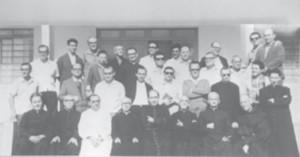Dom José de Aquino Pereira e padres do clero diocesano (década de 70)