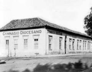 Foto de 1929 do Gynasio Diocesano instalado na Casa Paroquial.