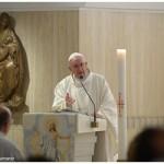 Papa: quem segue Jesus não erra