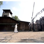 Papa visita Auschwitz e Birkenau