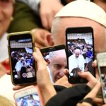Insistir na oração, diz o Papa