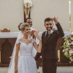 Casal abre mão de festa de casamento para realizar jantar para famílias carentes