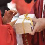 Eles receberão o pálio das mãos do Papa