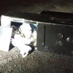 Cofre roubado no posto e lançado na rodovia por um dos bandidos | Imagem: Olímpia 24 horas