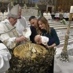 O Papa: batizar desde criança