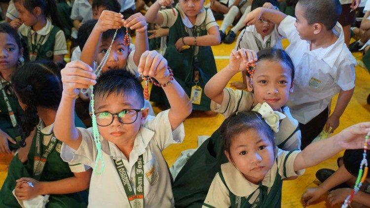 Oração: um milhão de crianças pela paz