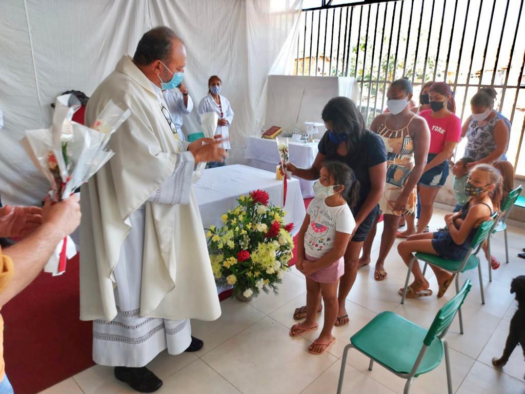 Missa com as Mães no bairro Vila Itália